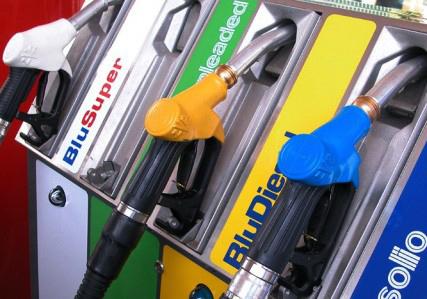 Abbiamo troppi impianti di carburante. Sara' vero ?