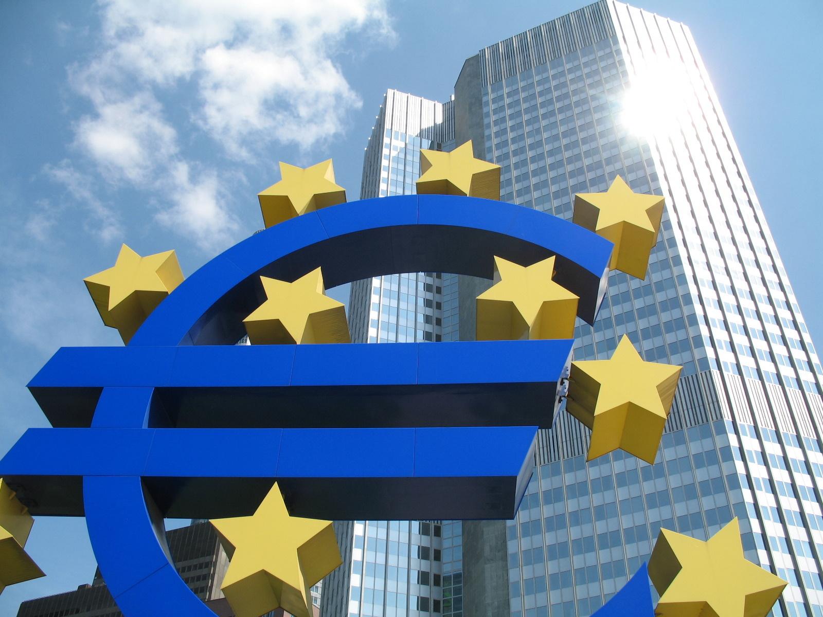 FONDI UE: A RISCHIO 9 MILIARDI. NEI CONFRONTI DELL'UE L'ITALIA DA' PIU' DI QUANTO RICEVE