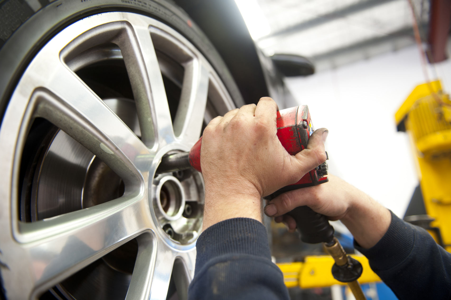 Lo sviluppo dell'automotive e la sicurezza degli operatori professionali e del soccorso