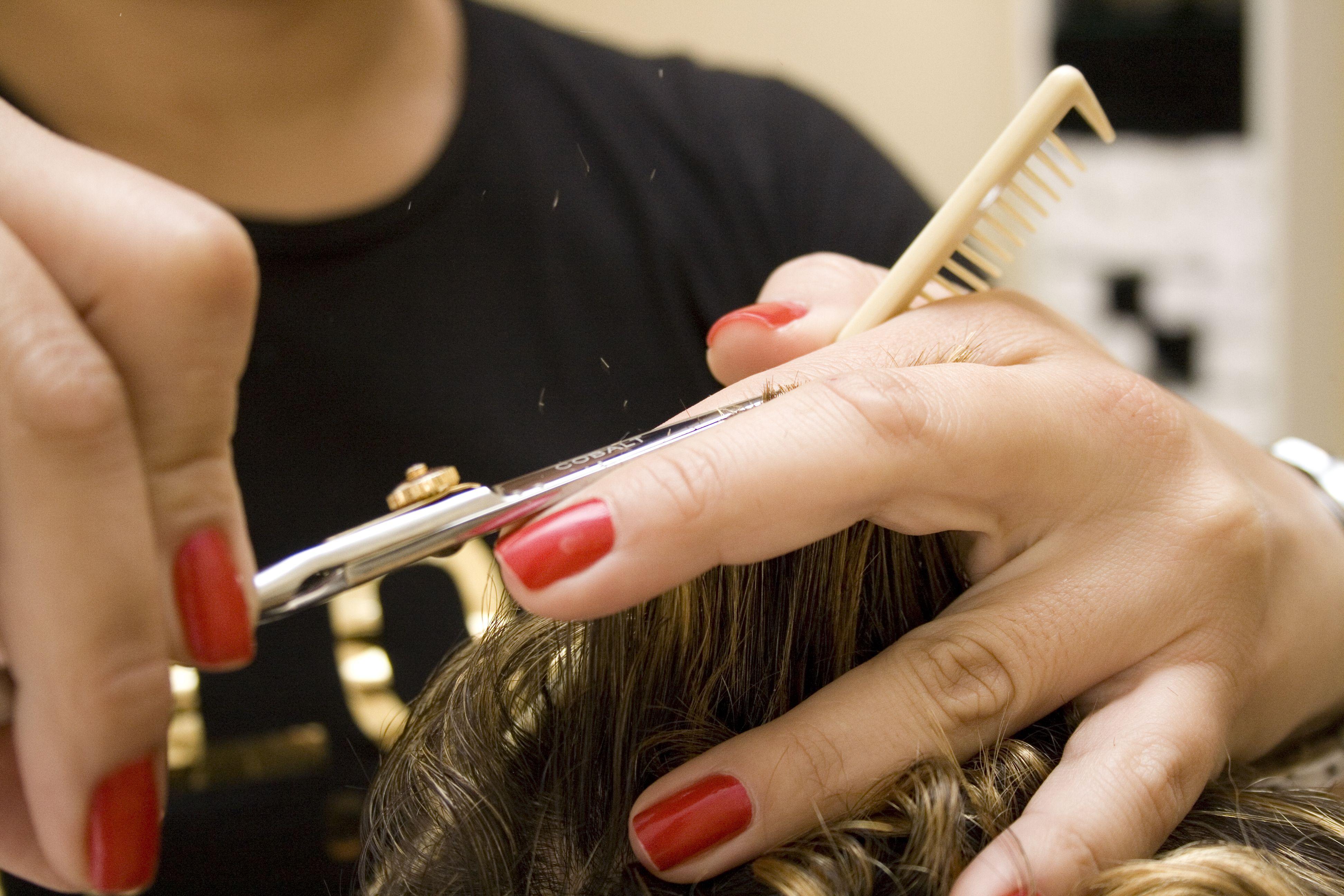CONAI. Iscrizione obbligatoria per parrucchiere ed estetiche
