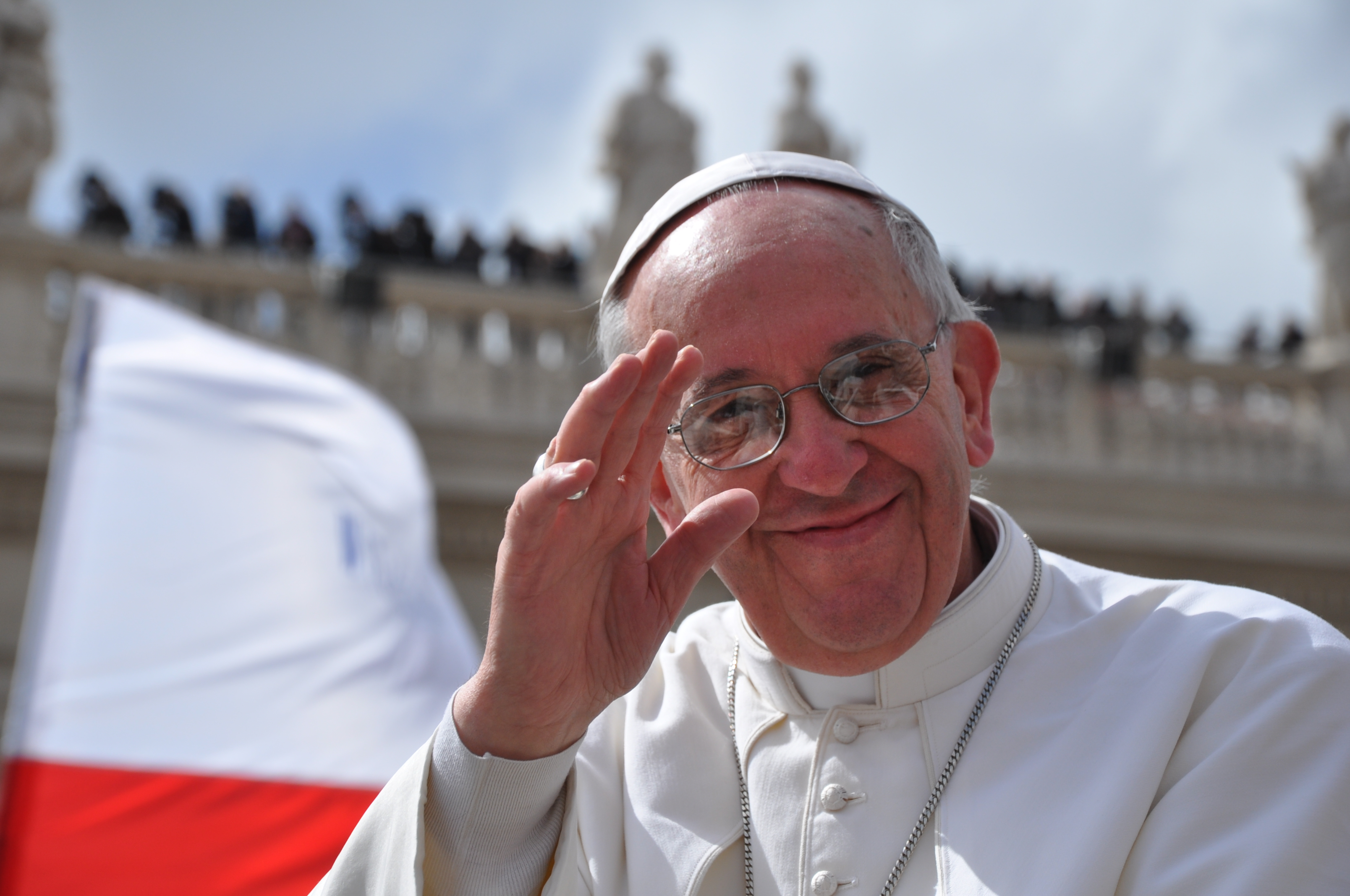 """PAPA FRANCESCO: """"GLI ALBERGHI RELIGIOSI PAGHINO L'IMU"""""""